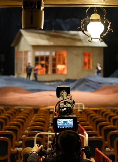 Театр в онлайне: как устроены трансляции спектаклей «Золотой Маски»