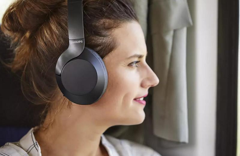 Обзор беспроводных наушников Philips TAPH805BK: музыка без лишнего шума