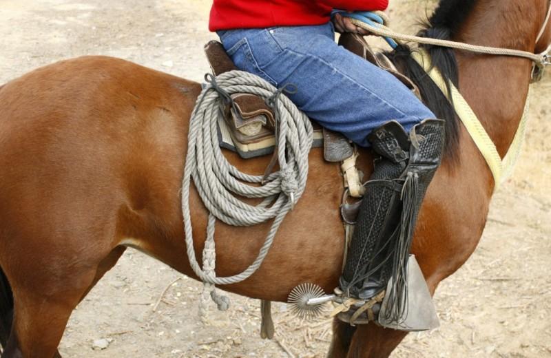 Все, что вам нужно знать о ковбойских сапогах и казаках
