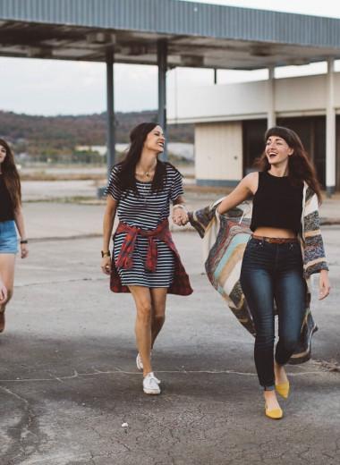 Изи-изи, рил-ток: 6 английских слов и фраз, которые нужно знать в 2021 году, чтобы понимать юмор в сети