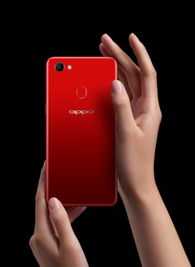 OPPO F7 — телефон для селфи