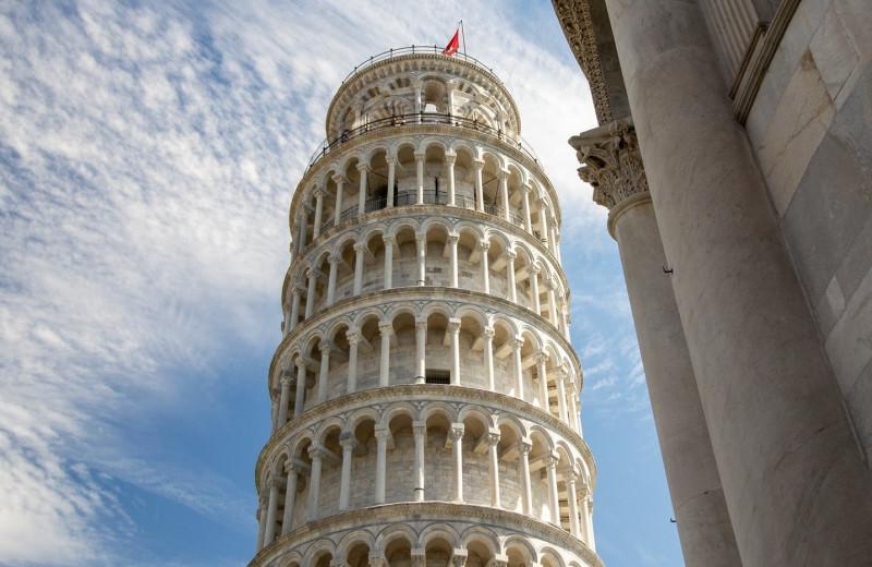 Падающие башни мира: не только Пизанская!
