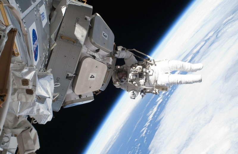 О чем молчат космонавты: невесомость и туалет