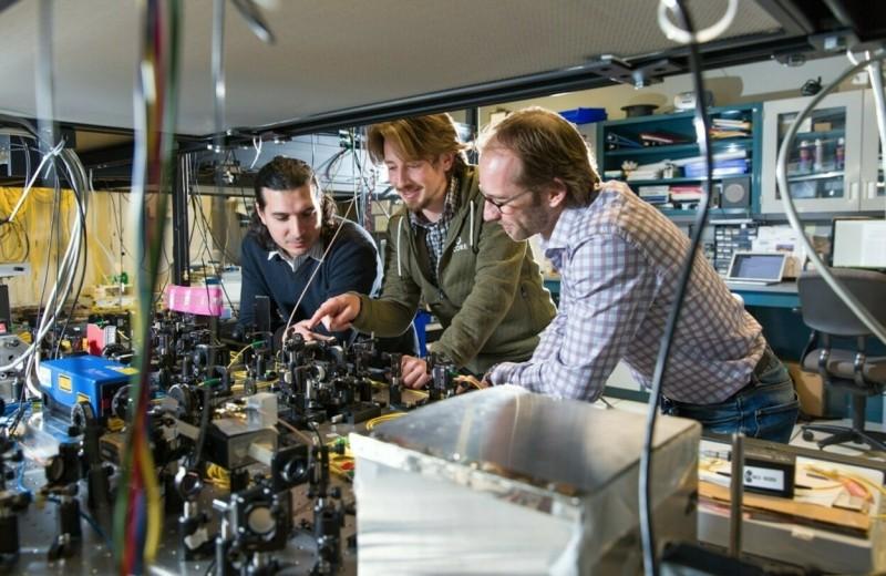 Моментальное решение задач и почти абсолютная защита данных: как применяют квантовые технологии и в чём их недостатки