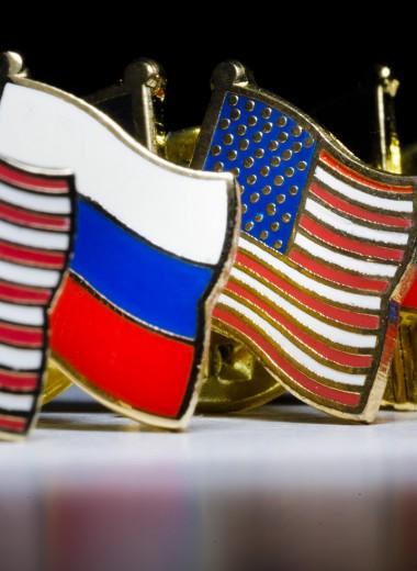 «Надо послать мощный сигнал Кремлю и рынкам». В Конгрессе США обсудили санкции против России