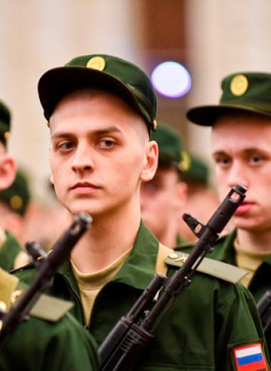 «Причина трагедии — нервный срыв». Что происходит в российской армии