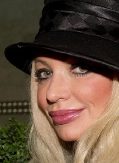 Молодой любовник актрисы Натальи Лапиной оказался брачным аферистом
