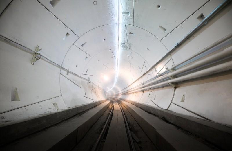 «Подземная телепортация»: Илон Маск открыл первый тоннель под Лос-Анджелесом
