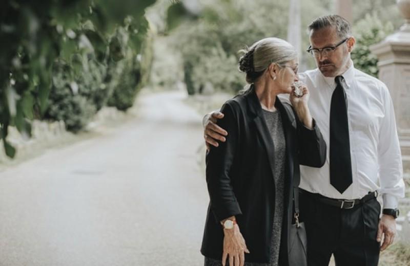 «Соболезную вашей утрате»: можно ли найти правильные слова