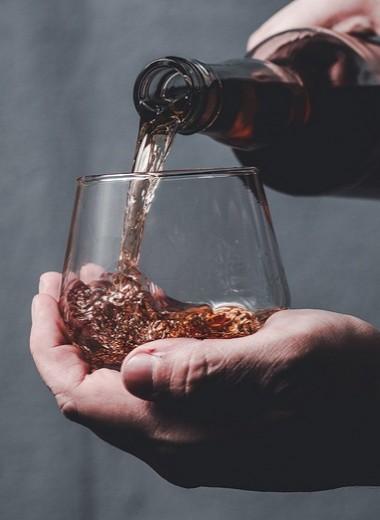 Когда сигары недостаточно: чем правильно закусывать виски, чтобы не убить образ эстета