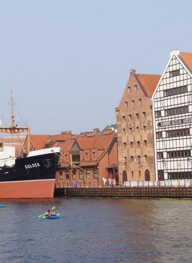 Гданьскому заливу грозит утечка 1,5 млн литров нефти из затонувшего танкера