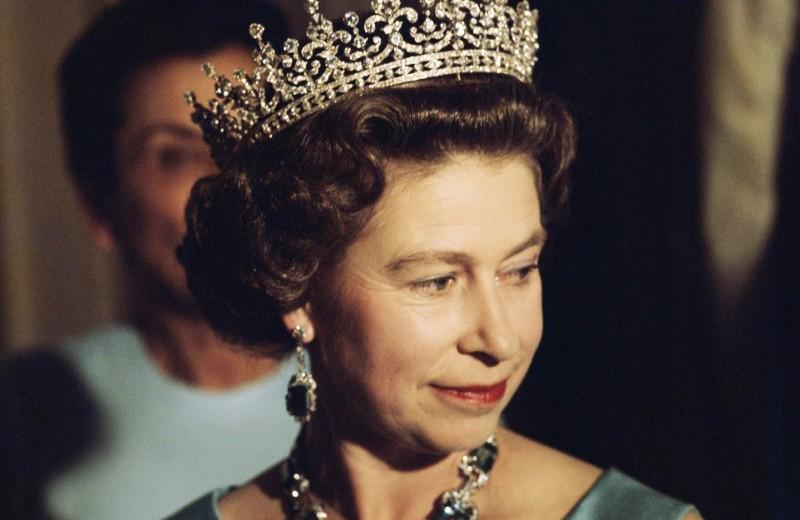 Боже, храни королеву: история правления Елизаветы II — самого долгого и турбулентного в истории британской монархии
