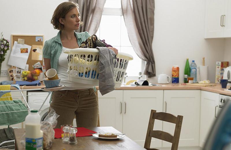 Женщина перестала заниматься домом, чтобы проучить ленивого мужа