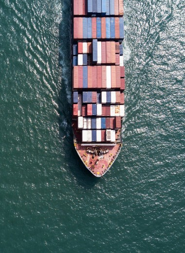 Дедолларизация и разворот на Восток. Как изменился российский экспорт за годы санкций