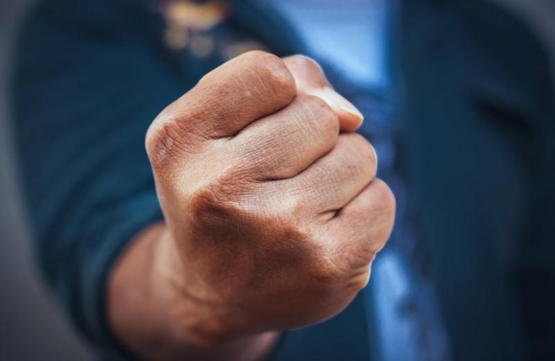 Как набить кулаки и подготовить кисти рук к ударам