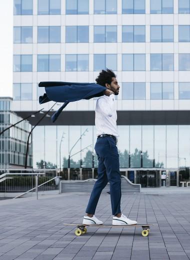 «Убивать себя на работе становится все менее популярно». Екатерина Шульман о правилах потребления нового поколения