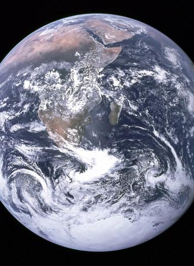 Над синим шариком: истории космонавтов