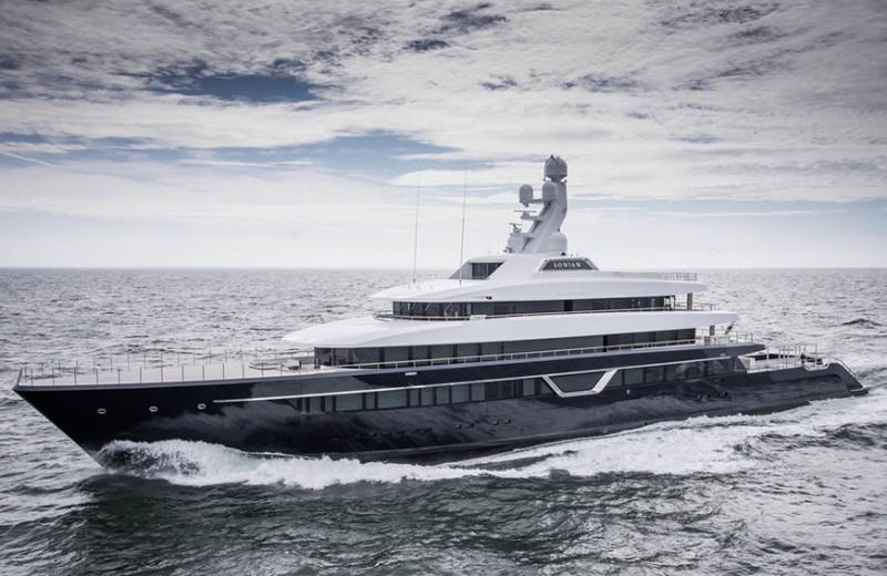 Карантин на мегаяхте: как миллиардеры самоизолируются на своих лодках