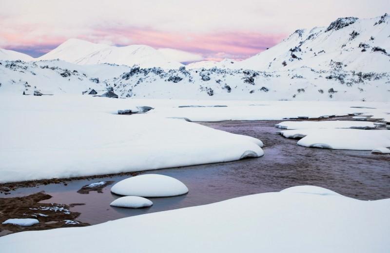 Белый снег, синийлед