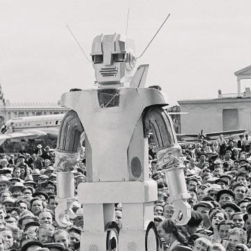 Робот на выставке