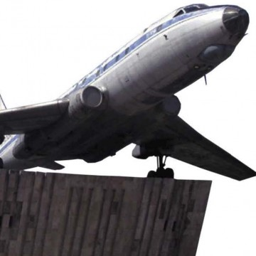 Ту-104 — первый реактивный