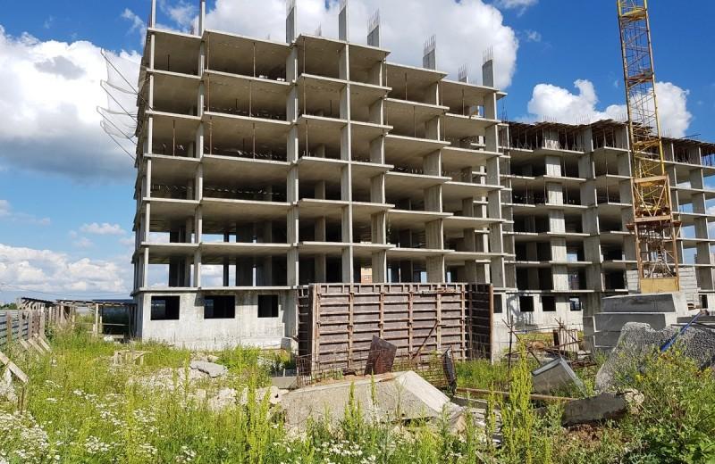 Незавершенное строительство и недостатки государственного управления
