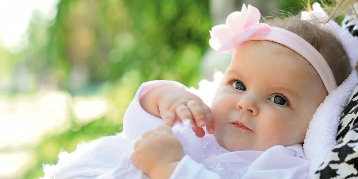 Потница и опрелости: спешим на помощь малышу!