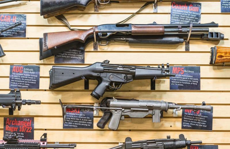 Чьи пушки стреляют в кино?