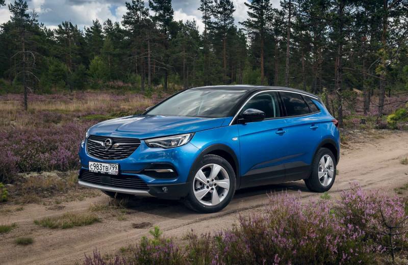 Opel Grandland X. Нечто среднее