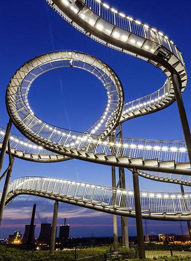 Весело шагая: 7 крутых лестниц