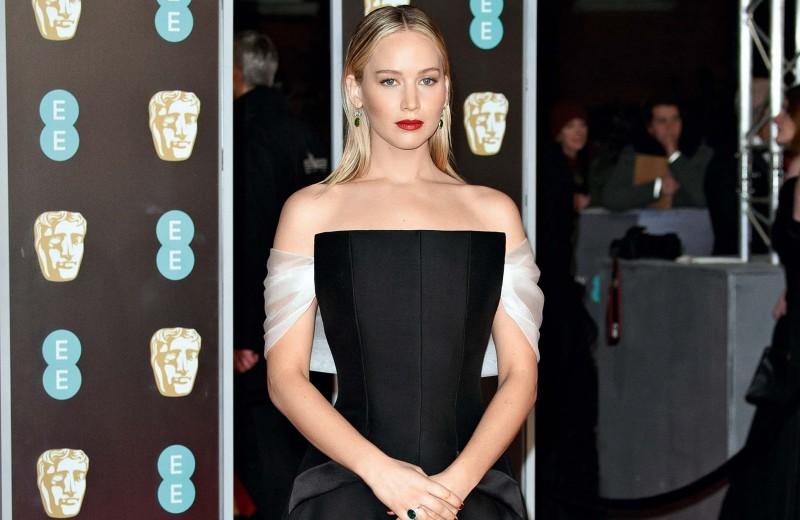 BAFTA 2018: яркие выходы в черном