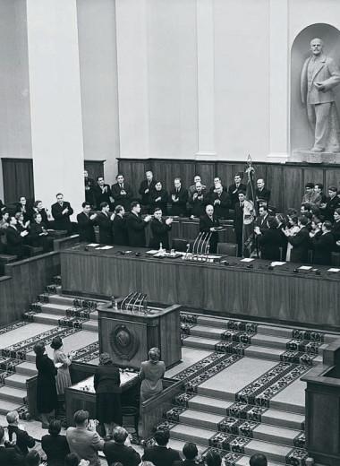«К 1990 году советская элита была уже готова конвертировать власть в собственность»