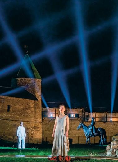 Национальный театр: «Блаженная Ксения» под дождем