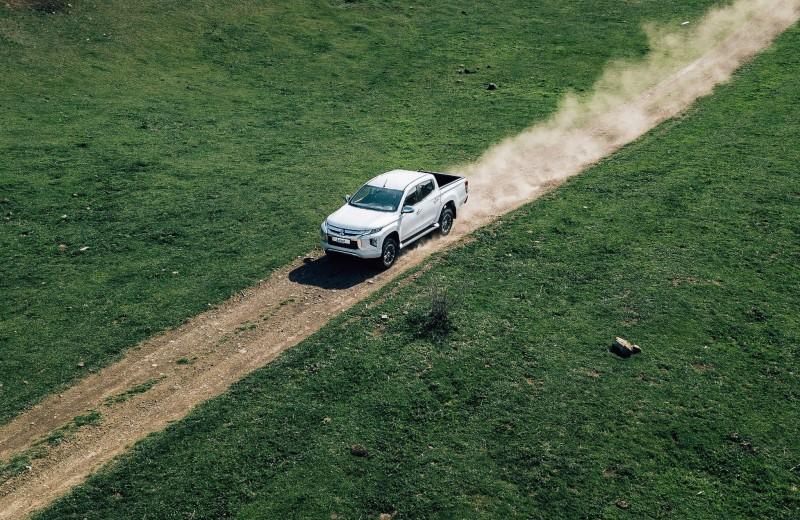 Обновлённый Mitsubishi L200. «Плачущие» фонари и бьющиеся сердца