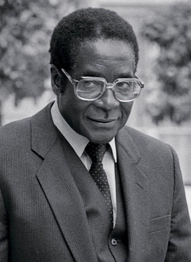 Премьер-министр Зимбабве Роберт Мугабе на приёме в Елисейском дворце
