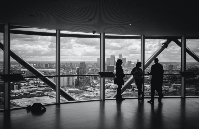 Какими должны быть идеальные отношения между бизнесом и властью?