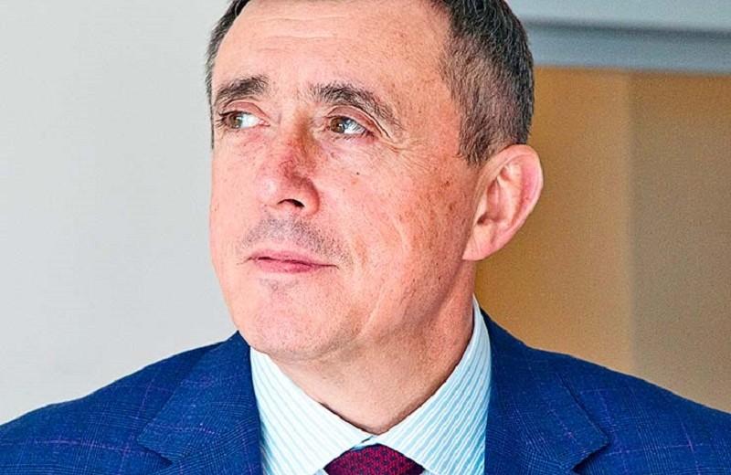 «Международные морские коммуникации надо замкнуть на сахалинские порты»