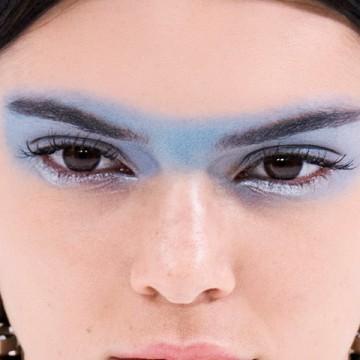 На голубом глазу