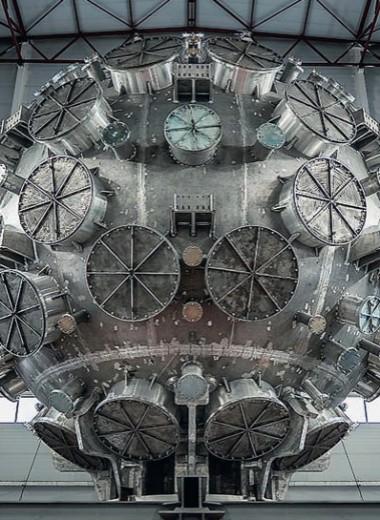 В Сарове смонтирована камера установки для лазерного термоядерного синтеза