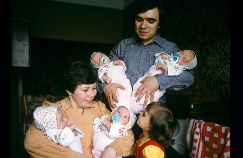В семье Шашковых родились близнецы — Женя, Катя, Маша, Таня