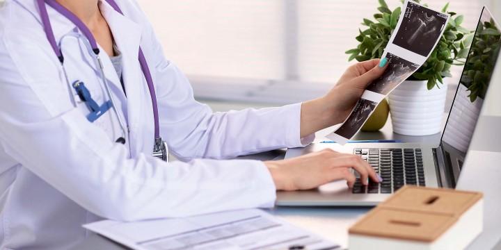 7 причин обратиться к гинекологупосле родов