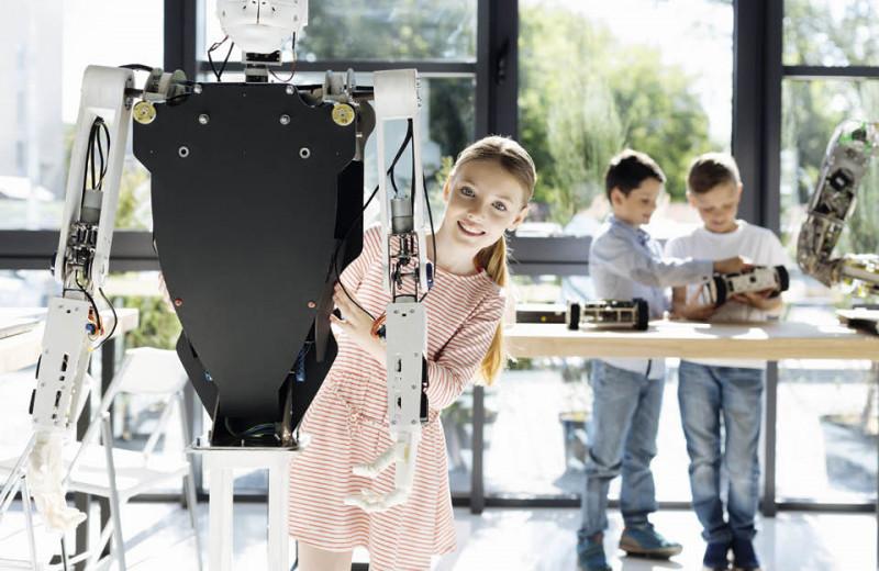 Техника — молодежи