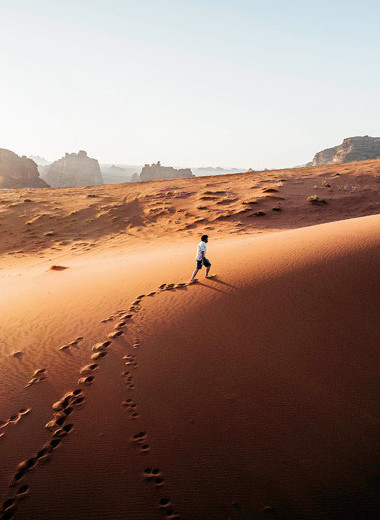 Тонкая линия в пустыне