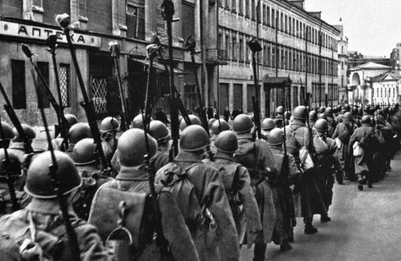 Кто является автором термина «Великая Отечественная война»?