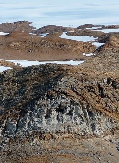 Почвы внутри камня