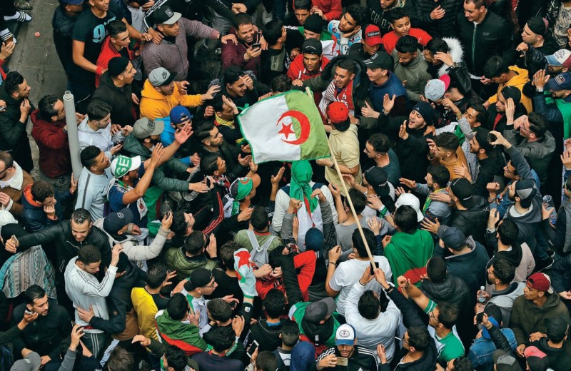 Алжир требует перемен