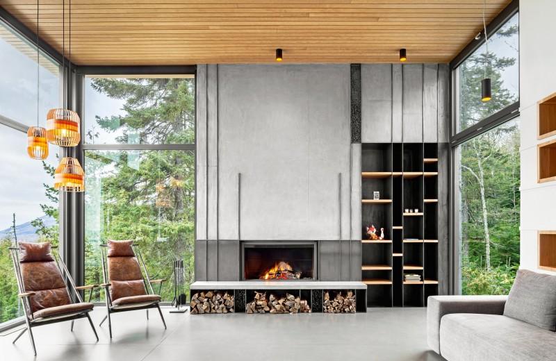 Дом с лесом