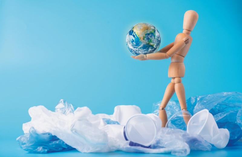 Пластиковый век