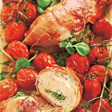 Салтимбокка в беконе с помидорами черри