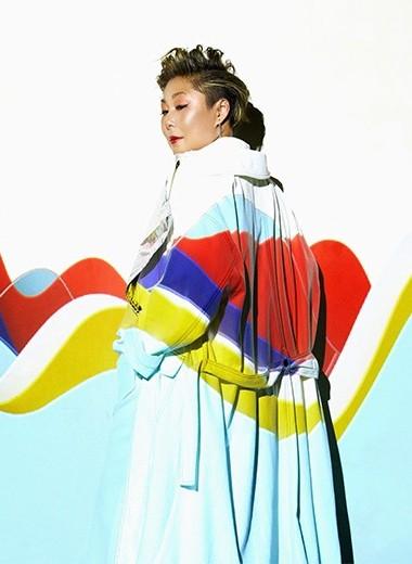 """Анита Цой:""""Я балансирую на одном колесе, пытаясь не упасть"""""""